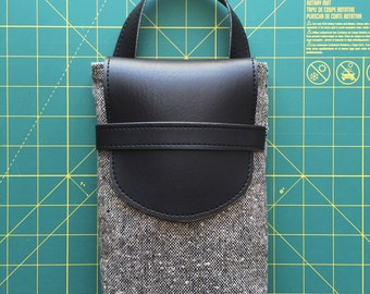 Handmade Polaroid SX70 Carry Case - Tweed