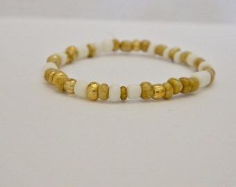 White & Gold Glass Seed Bead Stretch Bracelet
