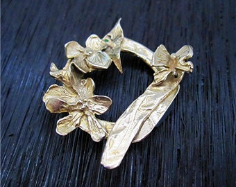 Handmade Gold Bronze Artisan Dogwood and Butterly Toggle Clasp (one clasp) (N)