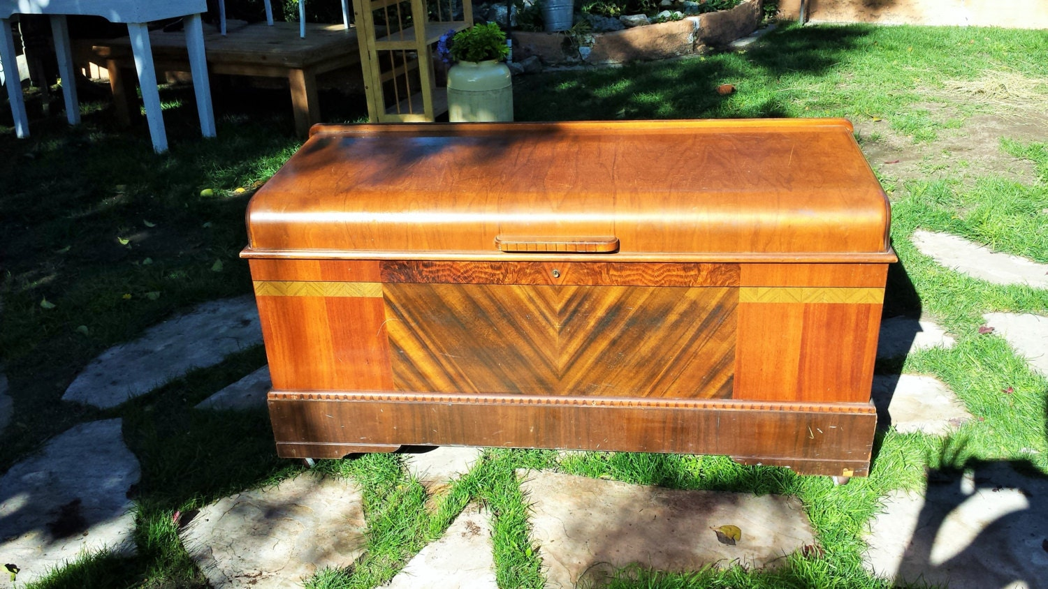 antique art deco hope chest vintage by toadstoolfarmvintage. Black Bedroom Furniture Sets. Home Design Ideas