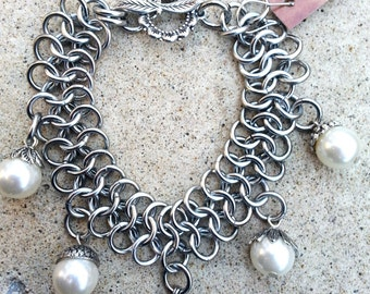 Renaissance Medieval Wedding Bride Bridal Gothic White Pearl Chainmaille Bracelet Maillewerks Hanan Hall / Pearl Chain Mail Wedding Jewelry