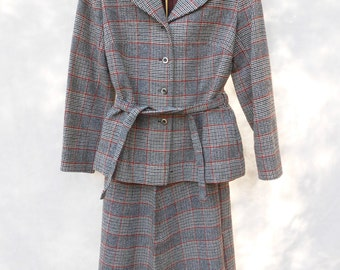 1970s women's tartan suit by Pendleton // 2 pc vintage mod secretary suit // long sleeve lined beige/burgundy plaid winter wear 12
