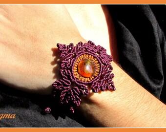 Mexican Amber Bracelet Macrame in Maroon thread. Amber jewelry. Organic jewelry. Earthy jewelry boho.
