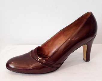Vintage 60s Culture Brown Patent Leather Womans Shoes, Mod Shoes, Size 7 1/2 Heel 3 1/2 Womans Shoes
