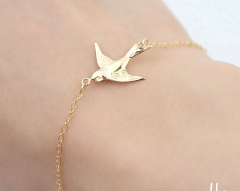 Dainty Swallow gold filled Bracelet - Delicate gold filled chain,Little bird jewelry,Minimalist jewelry,Simple jewelry for everyday
