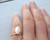Solid 14K Gold Leaf ring. Stackable.