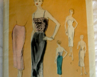 1950s Vogue Petticoat Slip Pattern 8235 - Slim Two Piece Petticoat w/option of Tops * Size 14..bust 32