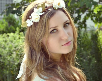 White rose wedding crown, white flower crown, floral head piece, forest crown, wedding hair accessories - Into the woods