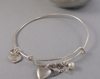 Birdies Heart,Bracelet,Bangle,Bangle Bracelet.Silver Bracelet,,Personalize,Locket,Locket Bracelet,Bird Bracelet,Bird,Lock valleygirldesigs.