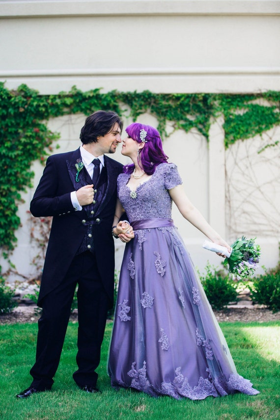 Victorian Lilac Wedding Dresses 41