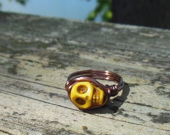 size 8.5 8 1/2 Day of the Dead yellow Skull antique copper wire wrap Ring - wrapped Día de Muertos howlite stone gemstone men women jewelry