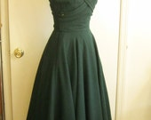 1940s 1950s Claire McCardell forest green dress, flawless. new look pinafore pockets jumper straps