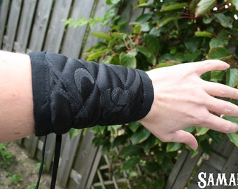 Black Cuffs in linen and damask  (Larp, Reenactment, fantasy events, ren faire, gothic, COSplay) - <READY TO SHIP>