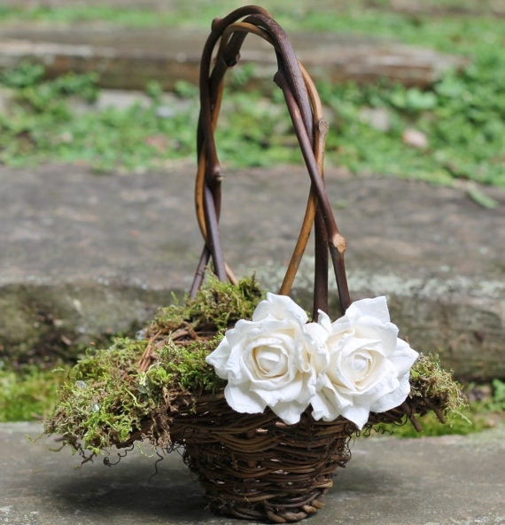 Flower Girl Basket Moss : Flower girl basket lined with moss and crystals or pearls