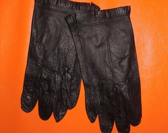 SALE Vintage Women's Soft Black Leather Fringed Gloves Lightweight Unlined Fine Quality sz 6 1/2 or so Rocker Glamour