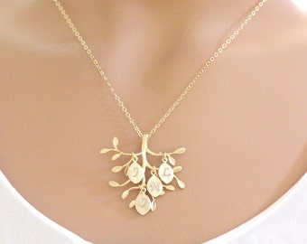 Mom Jewelry Family tree Necklace Grandmother gift Leaf necklace rose gold initial necklace for mom