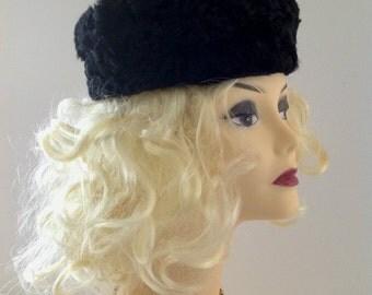Vintage Fur Persian Lamb Hat, Vintage Black Persian Lamb Fur Hat, 1940s Ladies Winter Persian Lamb fur Hat, Ladies Winter Accessory