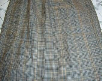 Vintage 1960, wool Plaid skirt, pleated woman, size EU 42