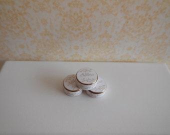 1:12 DOLLHOUSE Safety pins