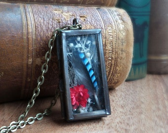 Shadow box terrarium necklace, blue jay feather & dry flower necklace, mother's day gift, woodland nature gift for her, brass locket pendant