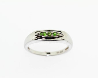 Chrome Diopside Ring .