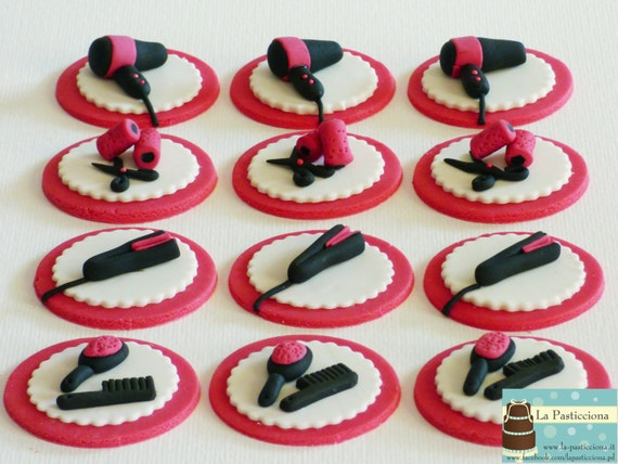 Items similar to 12 decorations for cupcakes in sugar ...