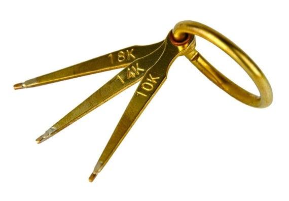 jarum emas kunci emas