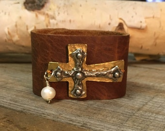 Sideways cross leather cuff bracelet with freshwater pearl