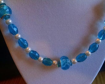 Aqua & Pearl Glass Beads Necklace