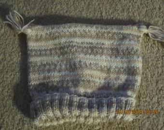 Childs Handknit Tea Bag Hat   size 4-6 years   beige, tan ,gold  tassels on each corner