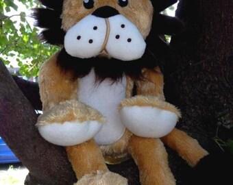 In Hoop Stuffed Lion