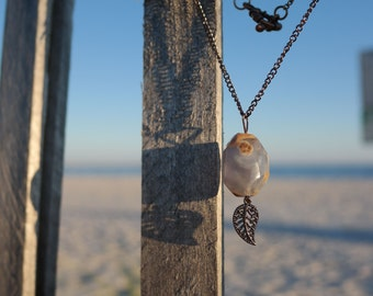 Chalcedony and Leaf Pendant Necklace