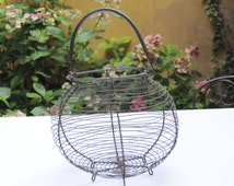 Vintage and authentic French wire eggs basket - Country chic