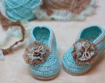 CROCHET PATTERN for Baby Light Blue Booties with Button - Cheap Crochet Boot Pattern, Booties Pattern, Baby Boots, PDF pattern, turquoise