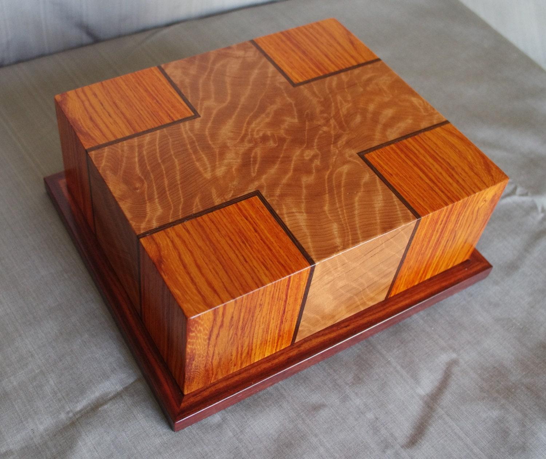 Handmade wooden keepsake box jewelry box valet box solid for Handmade wooden jewelry box