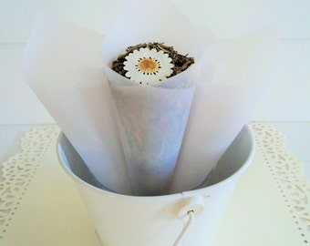10 Frosted Wedding Cones, Wedding paper cones, Wedding Favors, Confetti Cones, Wedding Cones, Candy Cones, Petal Cones, unfilled