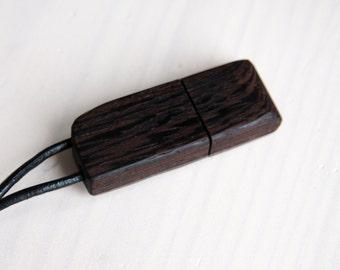 """Wood USB stick """"Bongossi"""" 4-32 GB"""