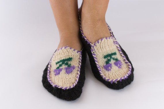 Knitting Pattern For Turkish Slippers : Turkish Hand Knitted Slippers