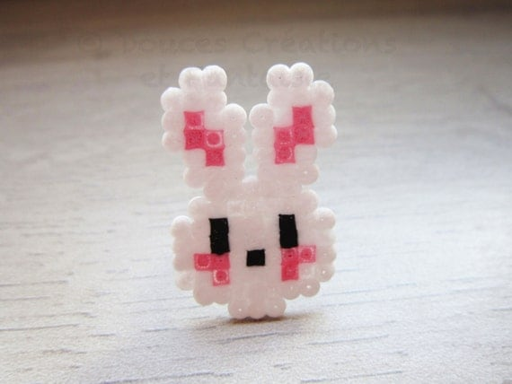 bijou bague lapin kawaii perle hama mini blanc par doucescreations. Black Bedroom Furniture Sets. Home Design Ideas