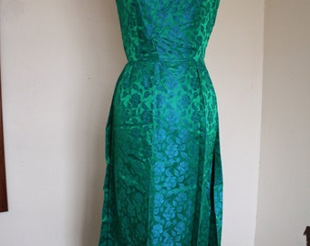Beautiful Vintage Evening/ Prom Gown