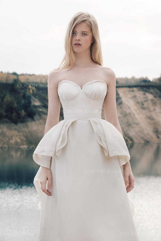 Mikado de mariage de concepteur de robe avec dentelle cord e for Concepteur de robe de mariage russe