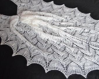easy winter shawl, white shawl for woomen, italiano kidmoher,