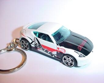 3D Nissan 370Z custom keychain by Brian Thornton keyring key chain finished in white color trim greddy