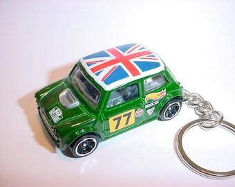 3D Morris Mini custom keychain by Brian Thornton keyring key chain finished in green color racing trim diecast metal body union jack