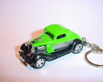 3D 1932 Ford Hot Rod custom keychain by Brian Thornton keyring key chain finished in green color trim diecast metal editors choice rodder 32