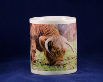 Ceramic mug with Highland Cow design