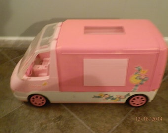 Barbie Motor home vintage style with rolling wheels