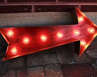 Red Arrow Light Vintage Arrow Sign, Light Ampersand Sign - Industrial Marquee light w/ Metal and Wood, Symbol / Letter Sign Wall Light Up Le