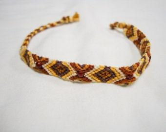Tawny - beaded friendship bracelet