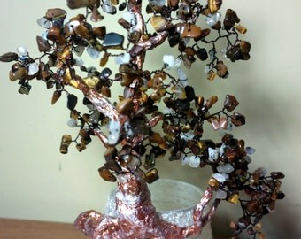 Wire tree sculpture with natural stones / tiger eye. Glass for home and office, office desk accessories